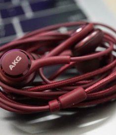Tai nghe AKG Galaxy S10 màu mận đỏ