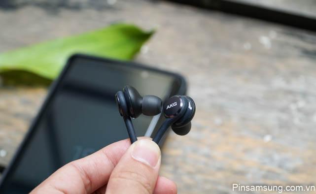 Tai nghe AKG S8 Plus